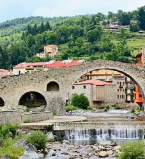 Discover the Pyrenees along the Smugglers' Route